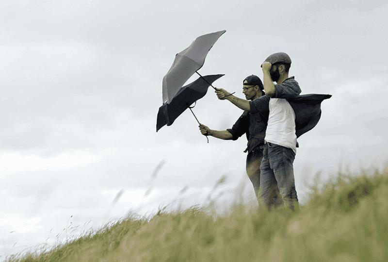 Фото тестування парасольок Блант