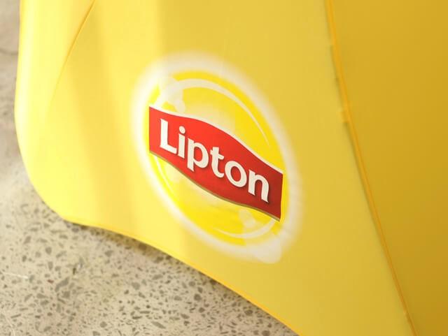Брендирование зонтов Blunt lipton